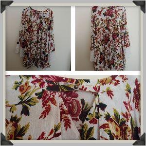 Size M Loose and Flowy Boho/Gypsy Tunic Dress